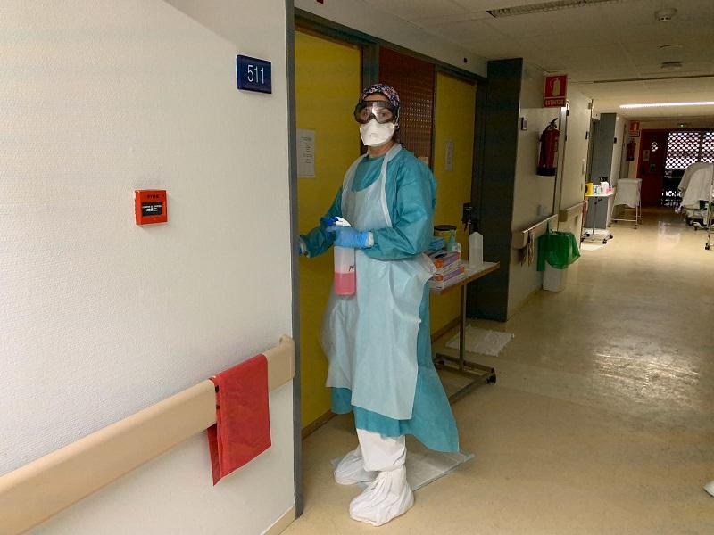 """Carmen, OSS: """"costretta anche io a lavare i panni dei pazienti perché feci notare igiene fatta male e relative lesioni""""."""