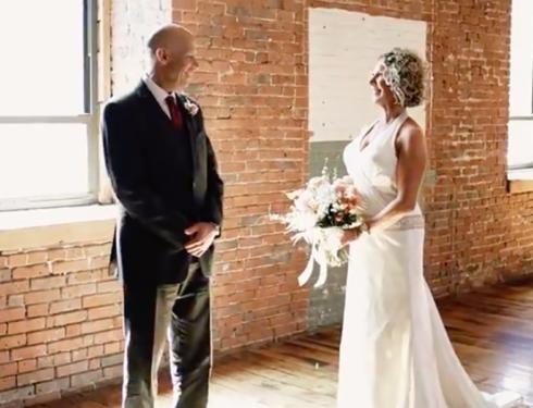 Paziente affetto da Alzheimer sposa due volte sua moglie. L'aveva dimenticata.