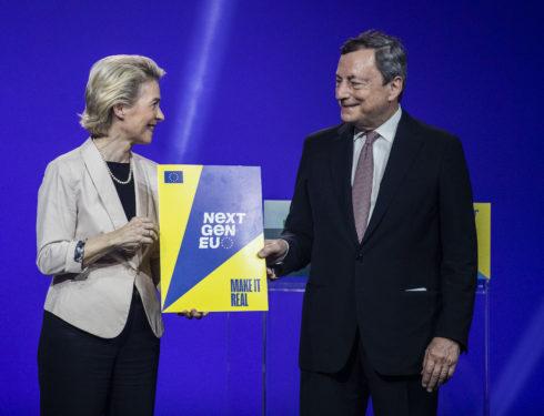 Recovery, la scommessa al buio con l'Europa che solo Draghi può vincere