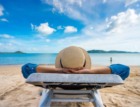 Vacanze: boom di disdette per la variante Delta
