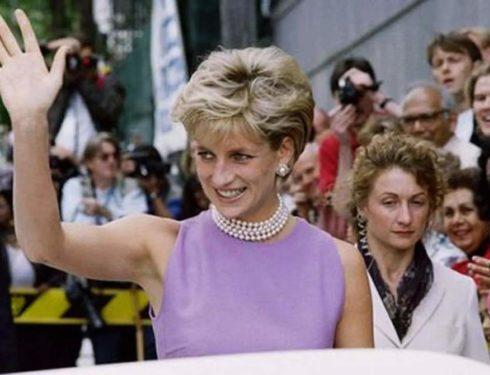 """Lady Diana a 24 anni dall'incidente : """"Avevo il suo sangue su di me"""""""
