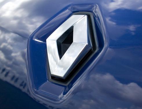 Perché Renault segherà personale in Francia