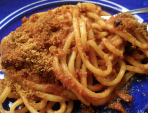 Pasta N'Caciova, piatto della tradizione Siciliana che si prepara con pochi ingredienti e profumatissimi