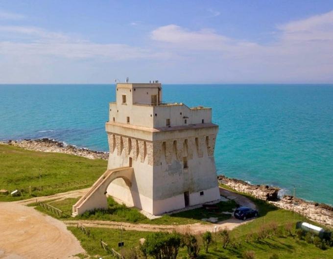 Torre Mileto: sul Gargano uno spettacolare scorcio sul mare.