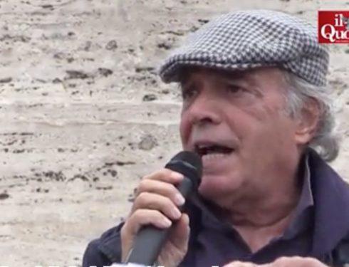"""Roma, comizio no vax di Montesano alla protesta contro il green pass: """"Serve una forza politica che ci rappresenti"""". In 1500 al Circo Massimo"""