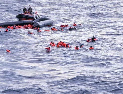 Nuovi soccorsi e sbarchi di migranti in Calabria. Salvini contro Lamorgese: «Ormai sbarca chiunque»